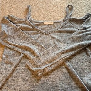cut out gray long sleeve XS
